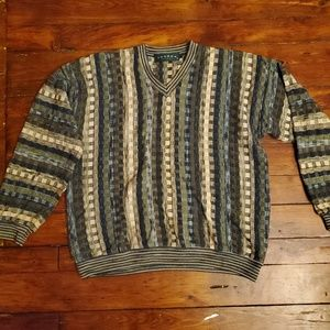 Tundra Canada Sweater Medium